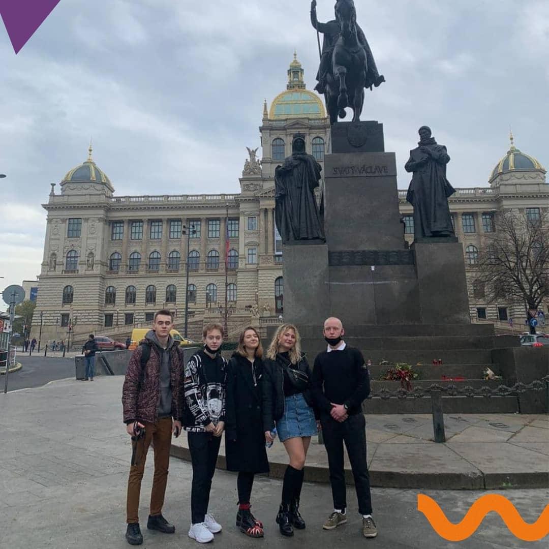 На выходных успели съездить в Прагу! Делимся с вами фотографиями из нашего небольшого путешествия.   Мы прогулялись по центру волшебного города, пообедали на главной площади и поднялись к Вышеграду. Поездка была короткой, но концентрированной!